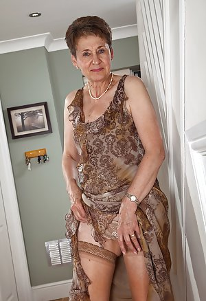 Granny Hairy Pussy Photos