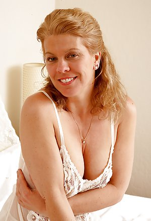 Wife Hairy Pussy Photos